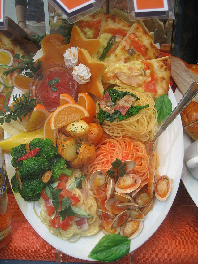 Plastic replica food typically found on display in many restaurants in Japan. (Photo: Wikipedia)
