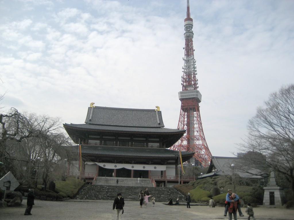 Zojo-ji, a Buddhist temple in Minato Ward, with the Tokyo Tower looming in the background. (Photo: Brian Cramer)